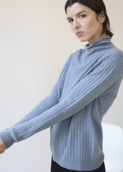 Ribbed roll neck cashmere sweater